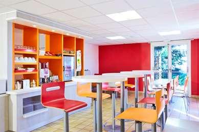 PREMIERE CLASSE VERSAILLES - St-Cyr-l'Ecole