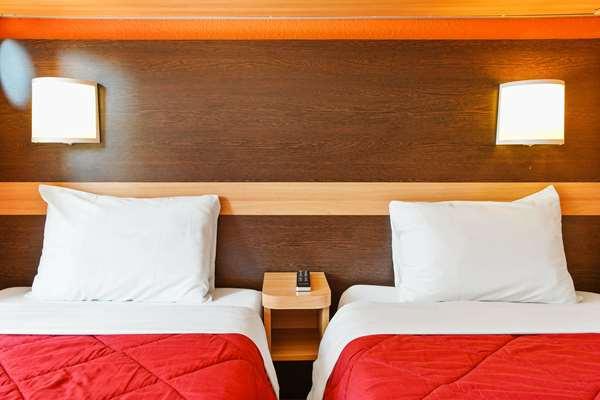 HOTEL PREMIERE CLASSE VILLEJUST - ZA COURTABOEUF