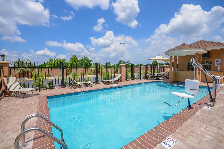 Pool - Best Western Casino Inn Vinton