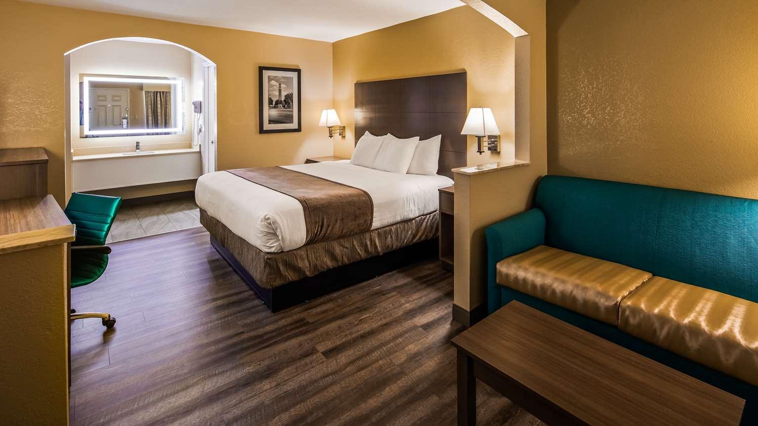 Room - Best Western Catalina Inn Northport