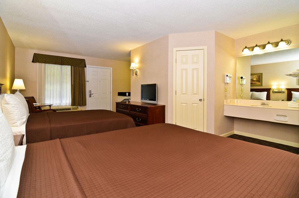 Room - Best Western Suites Jackson