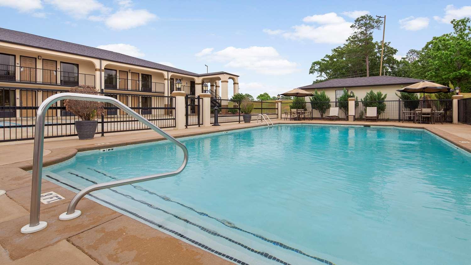 Pool - Best Western Inn Andalusia