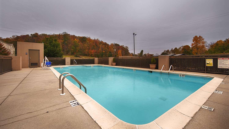 Pool - Best Western Plus Oak Mountain Inn Pelham