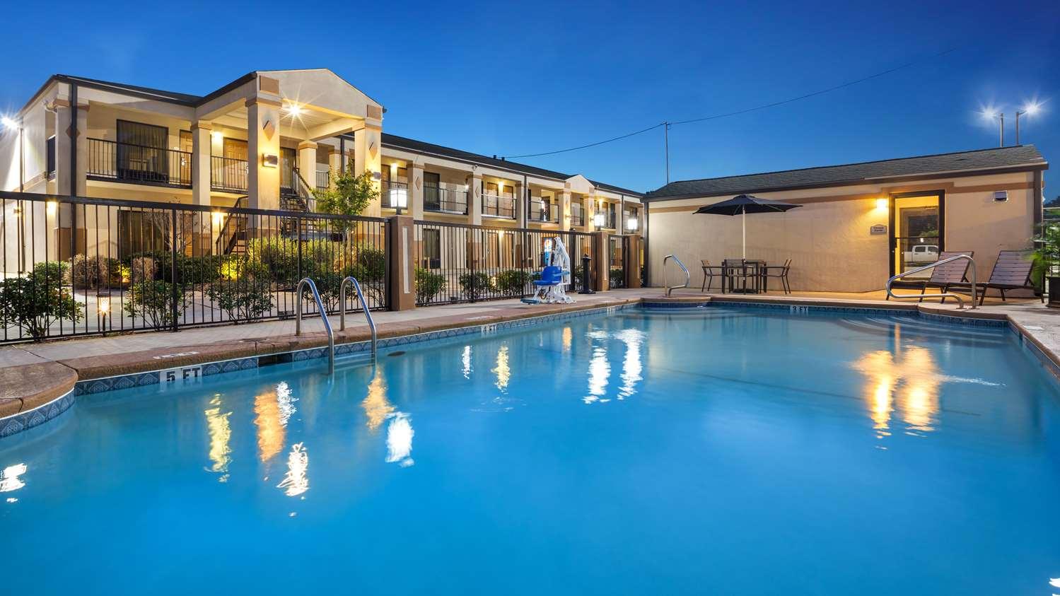 Pool - Best Western Inn Monroeville