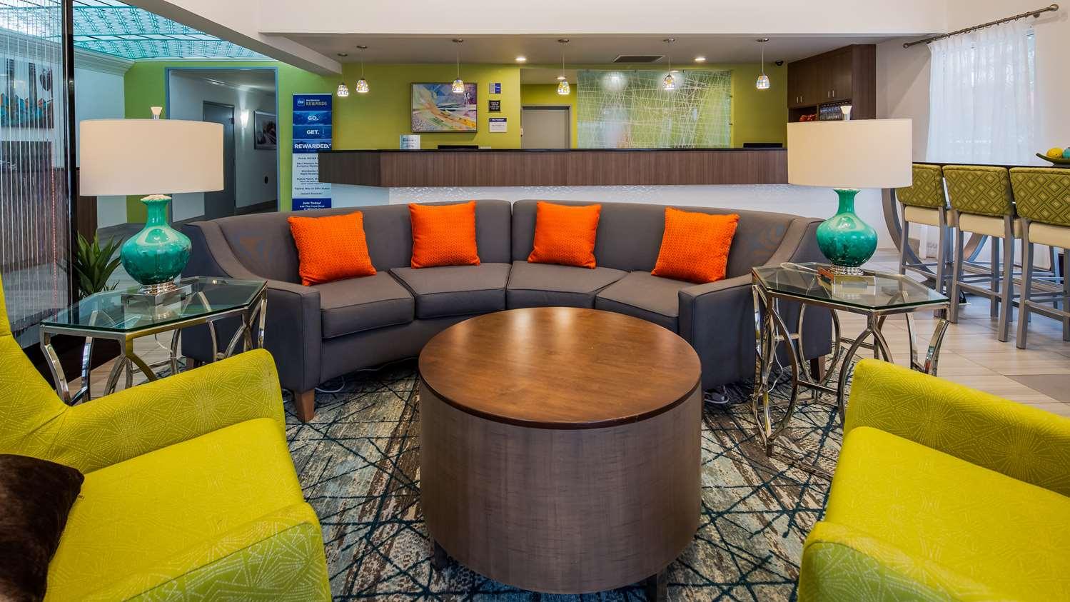 Lobby - Best Western Plus Carlton Suites Homewood
