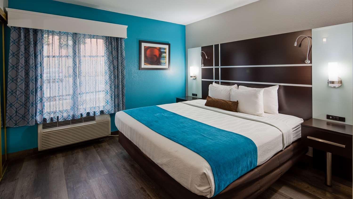 Room - Best Western Plus Carlton Suites Homewood