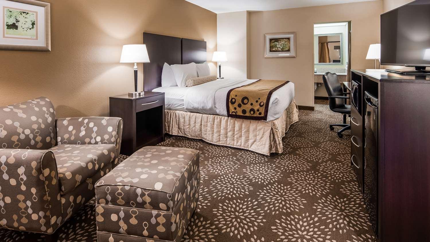 Room - Best Western Plus Madison-Huntsville Hotel