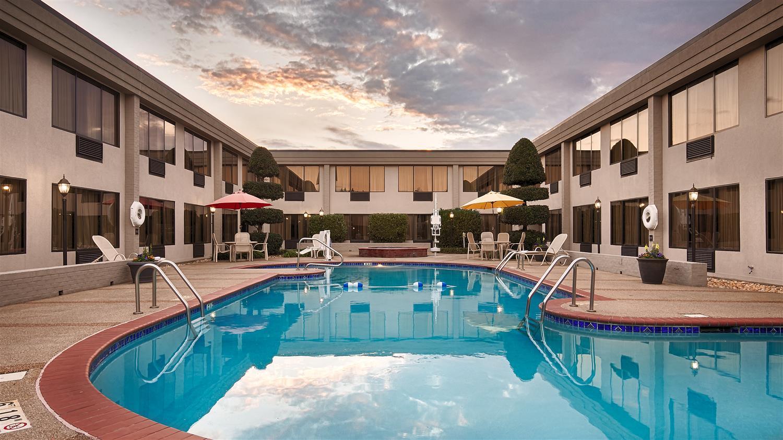 Pool - Best Western Plus Madison-Huntsville Hotel