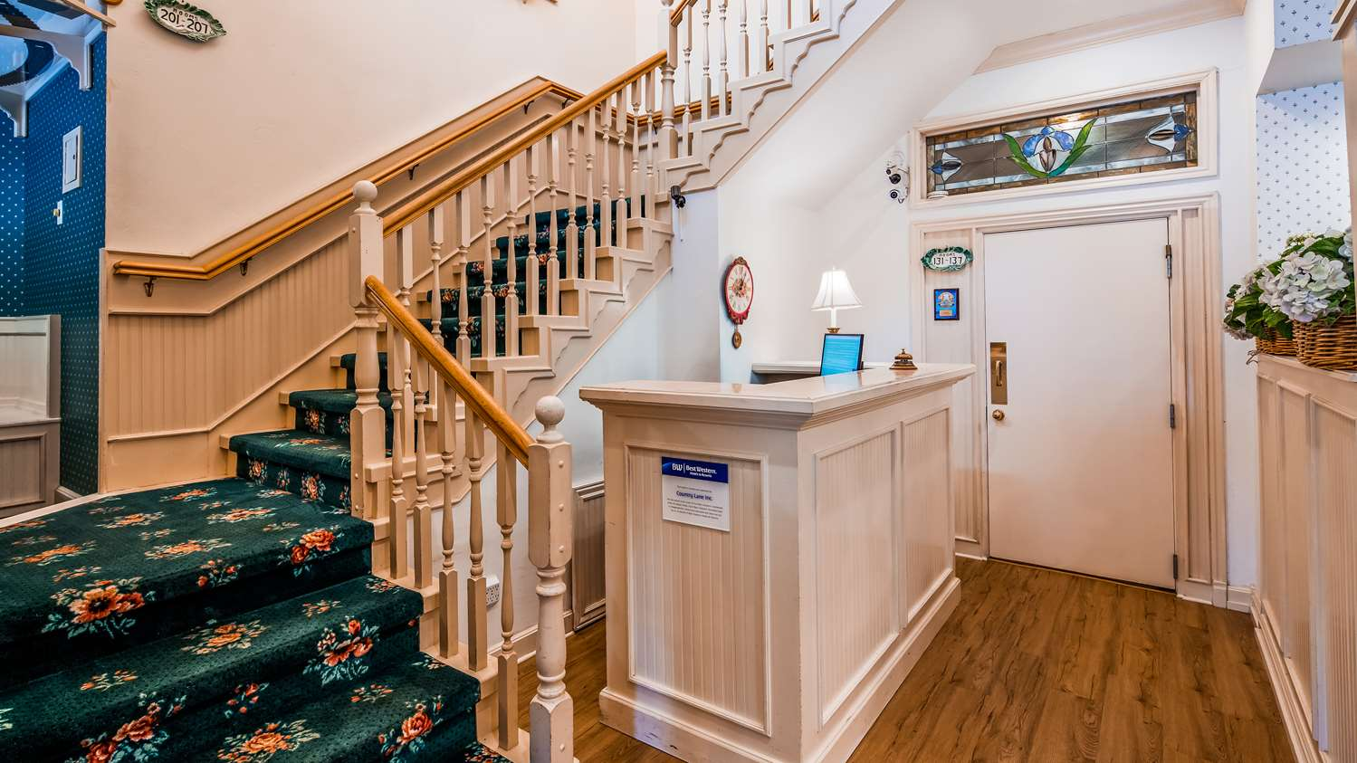Lobby - Best Western Grandma's Feather Bed Inn Juneau