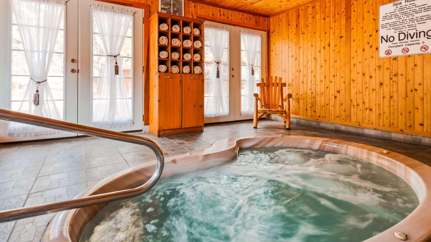 Pool - Best Western Inn Pinetop-Lakeside