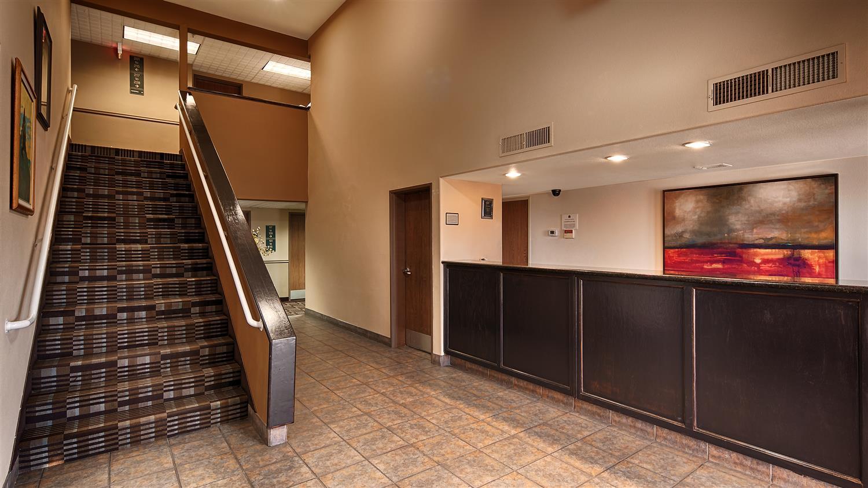 Lobby - Best Western Inn Parker