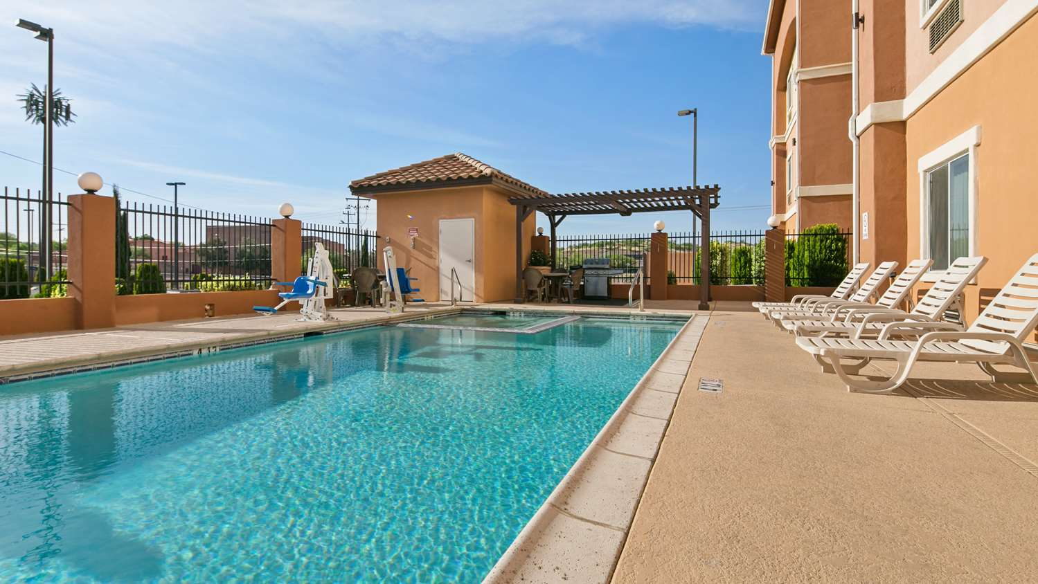 Pool - Best Western Sonora Inn & Suites Nogales
