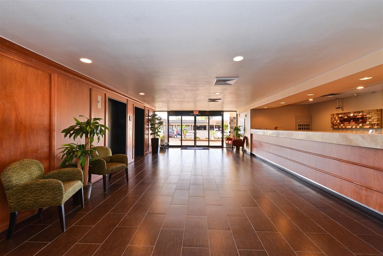 Lobby - Best Western Plus Hotel Mesa