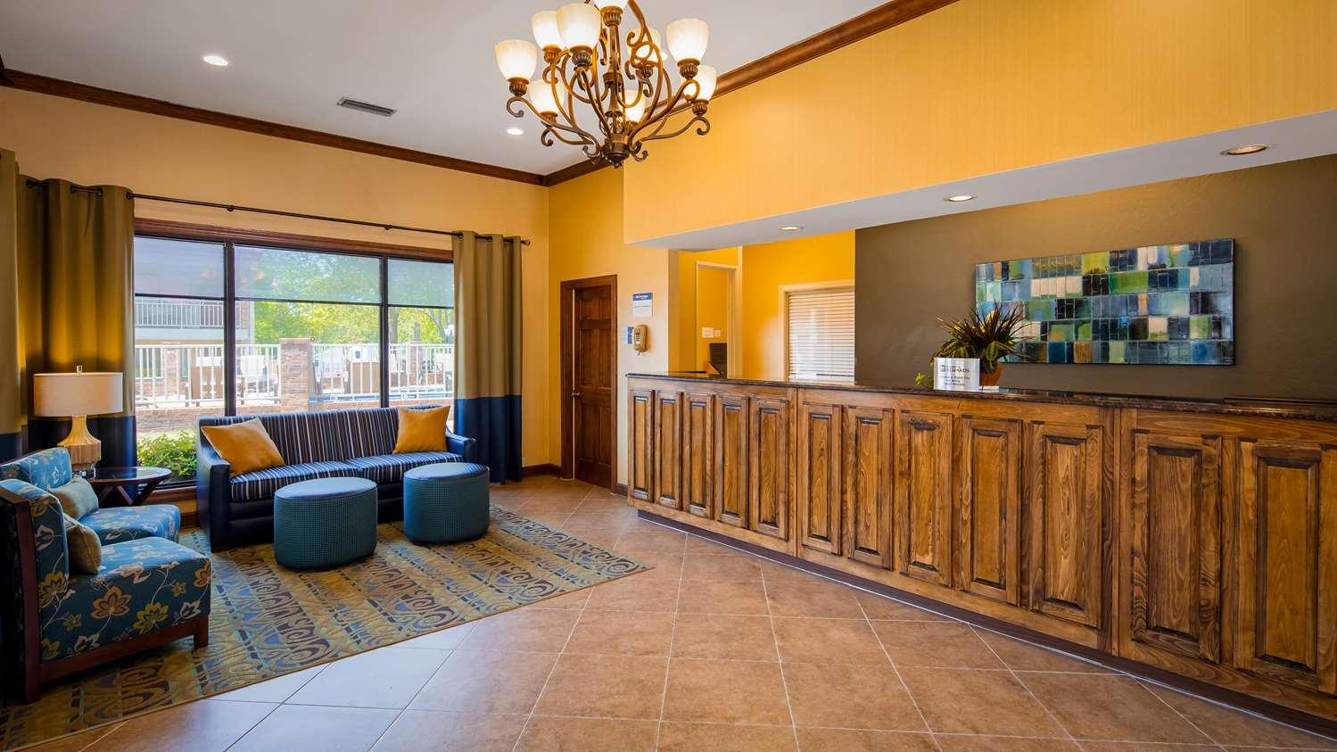 Lobby - Best Western Winners Circle Inn Hot Springs