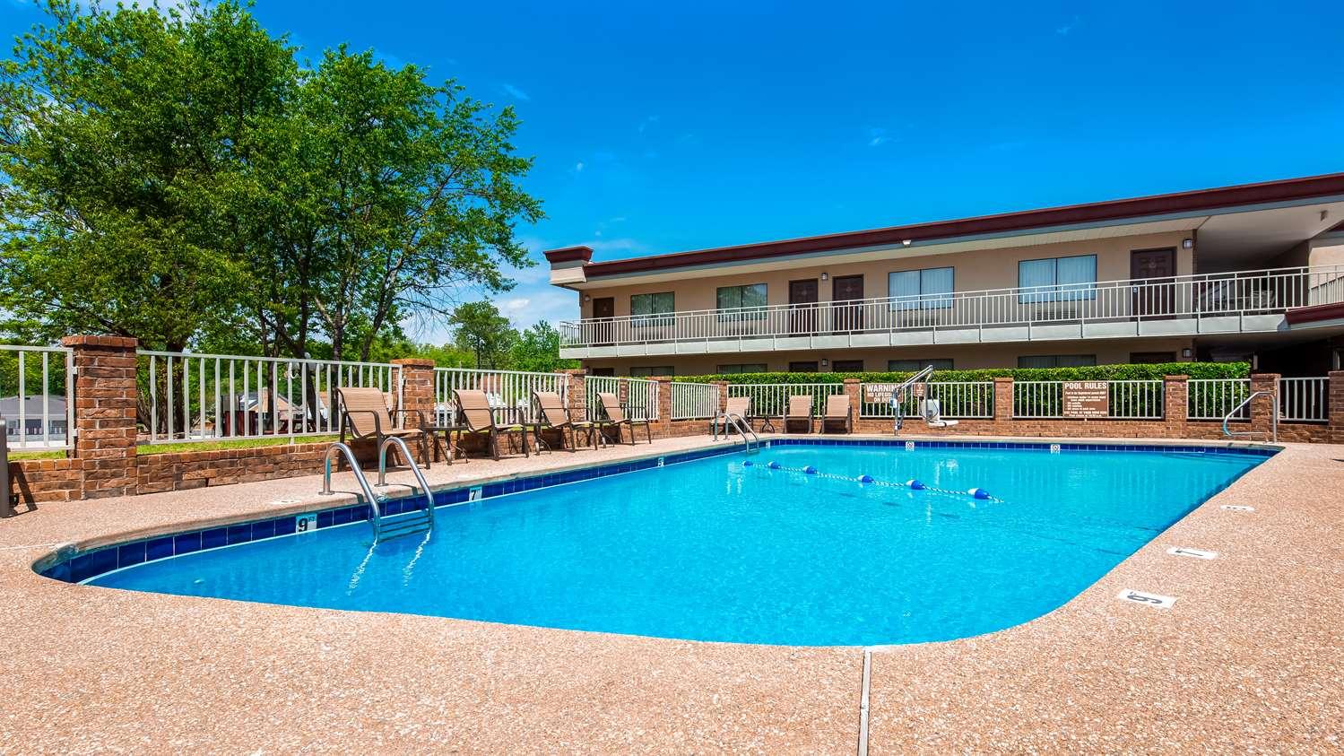 Pool - Best Western Winners Circle Inn Hot Springs