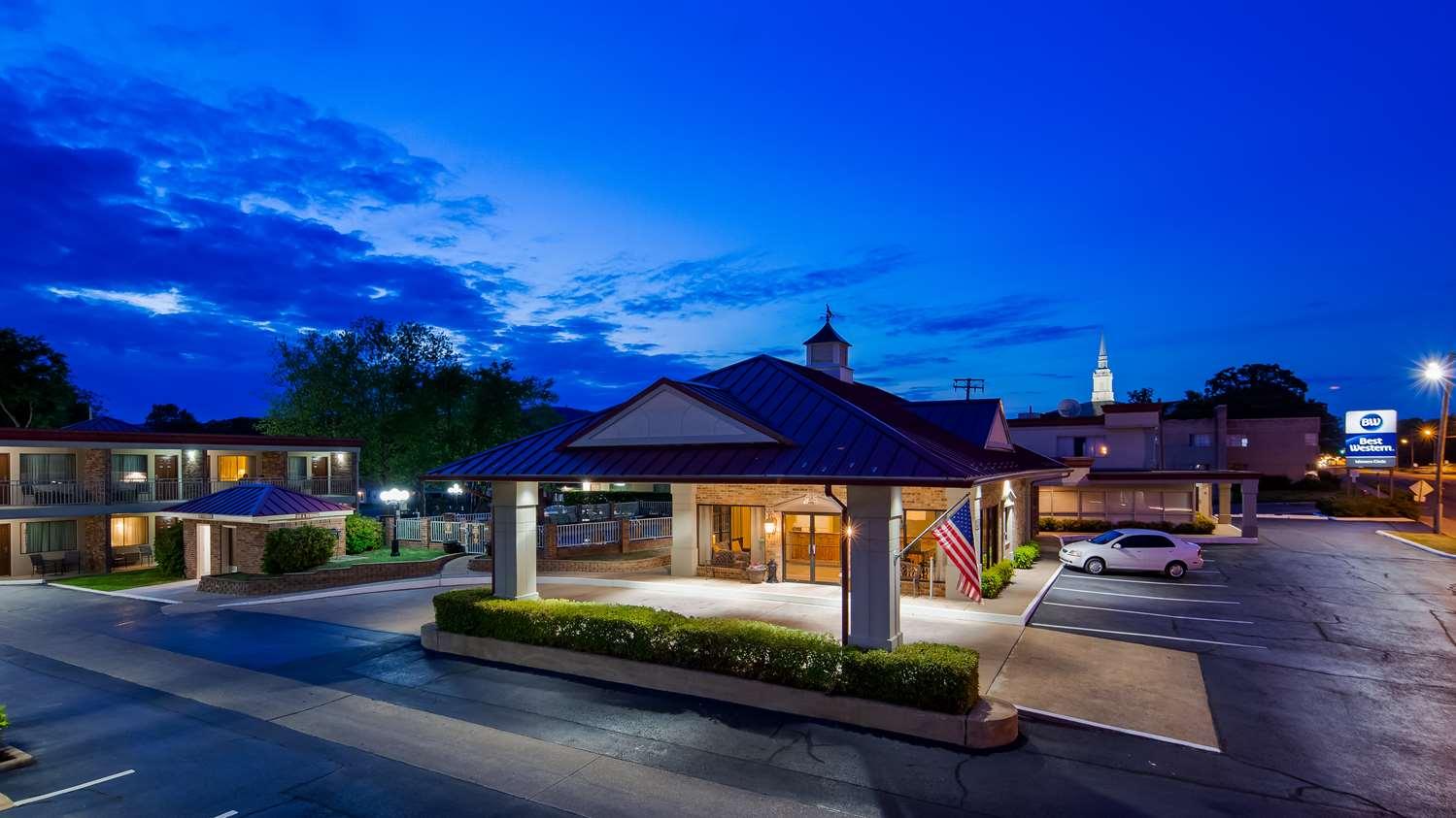 Exterior view - Best Western Winners Circle Inn Hot Springs
