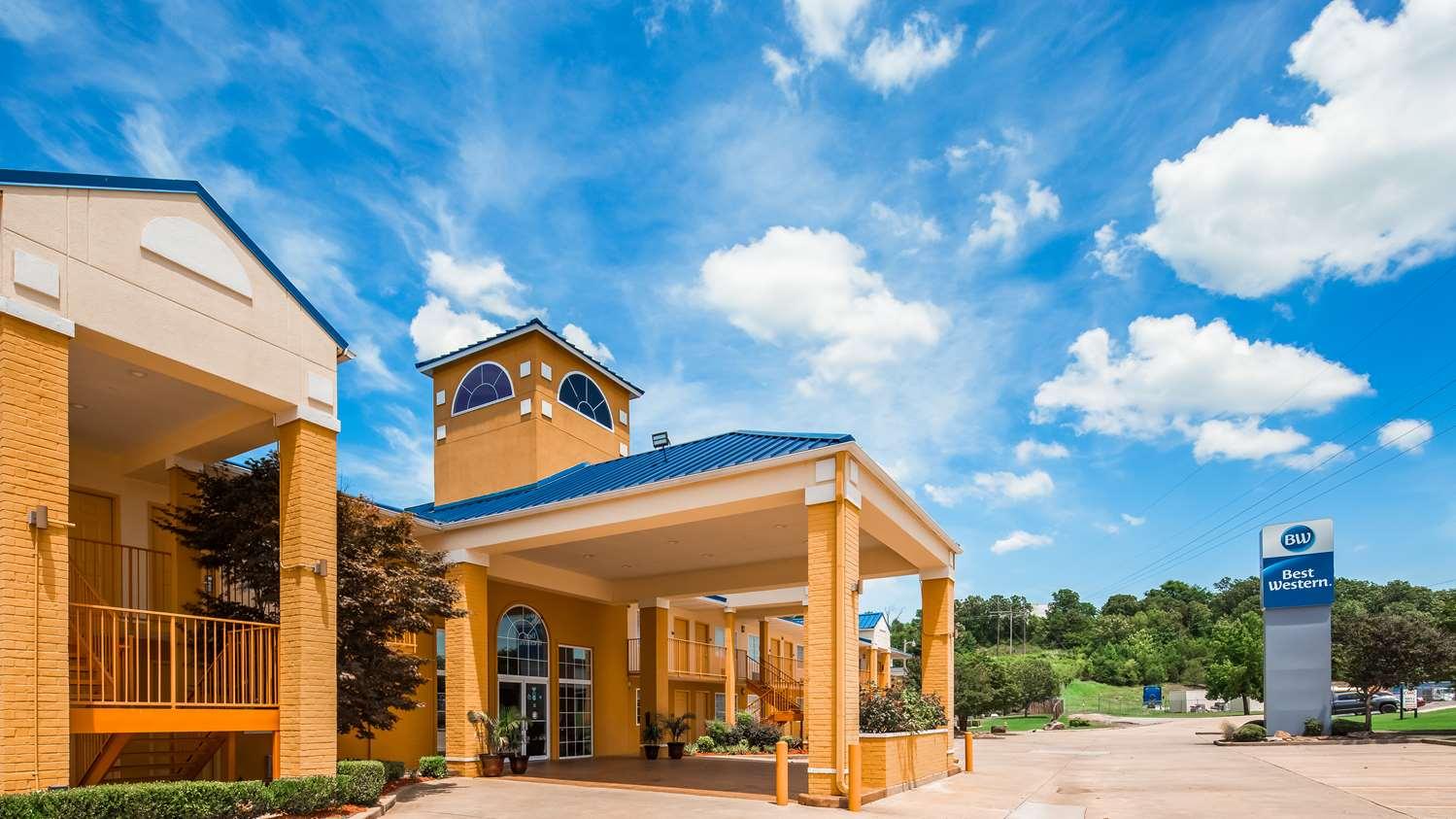 Exterior view - Best Western Inn Van Buren