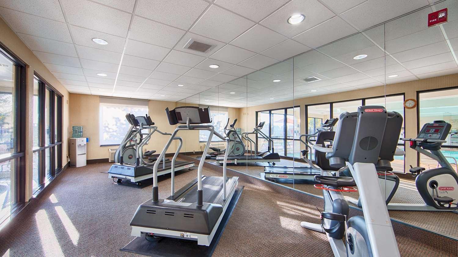 Fitness/ Exercise Room - Best Western Plus Castlerock Inn & Suites Bentonville