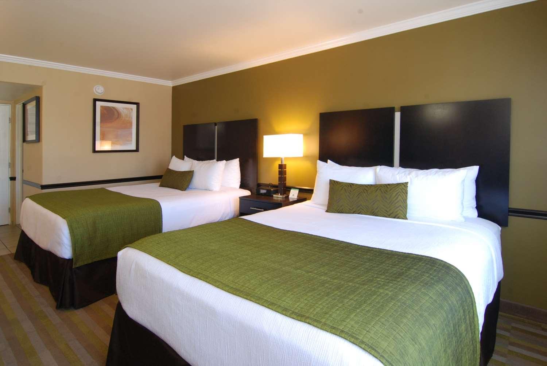 Room - Best Western Motor Inn Canoga Park