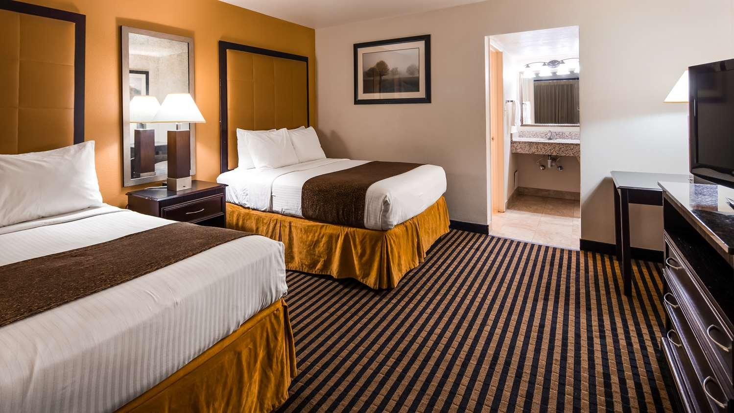 Room - Best Western Town House Inn Modesto