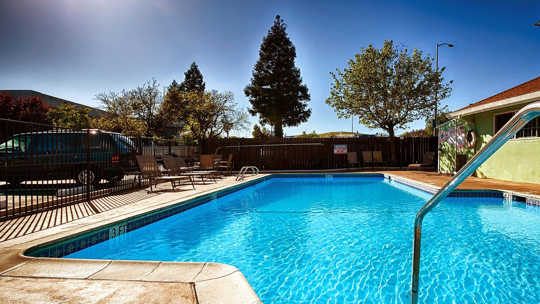 Pool - Best Western Heritage Inn Vacaville