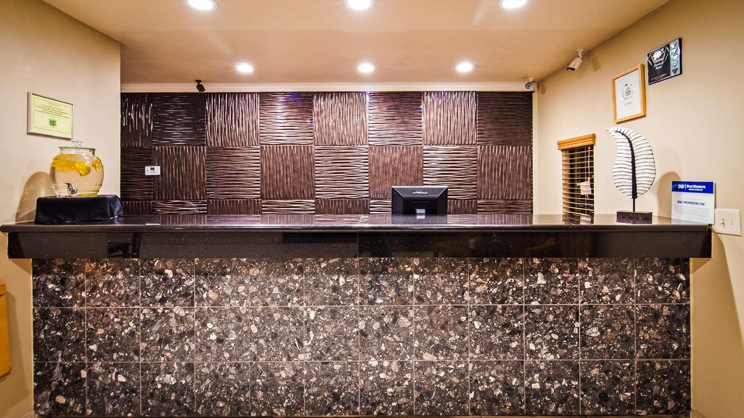 Lobby - Best Western Heritage Inn Vacaville