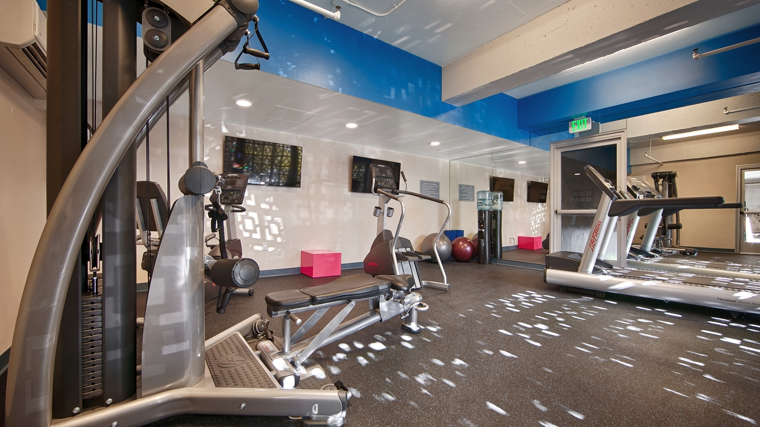 Fitness/ Exercise Room - Best Western Plus Hollywood Hills Hotel Hollywood