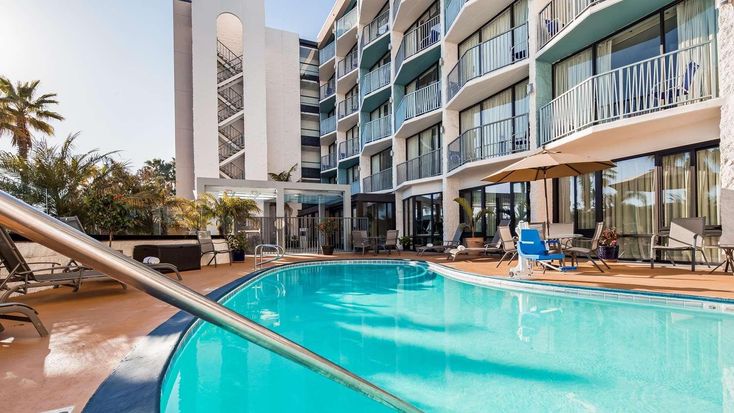 Pool - Best Western Yacht Harbor Hotel San Diego