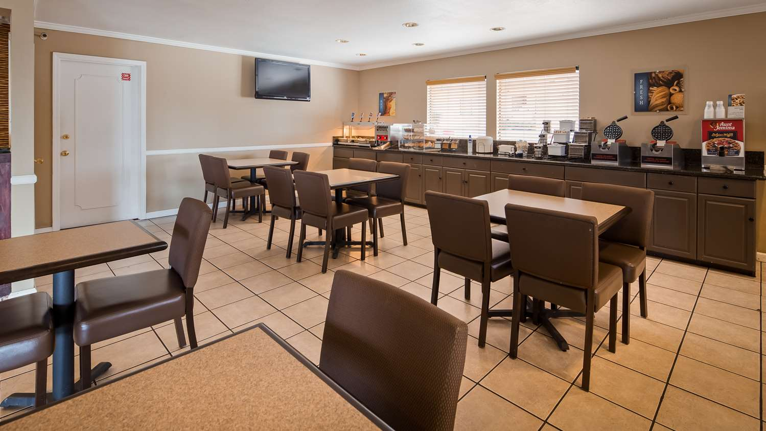 Restaurant - Best Western Roseville Inn
