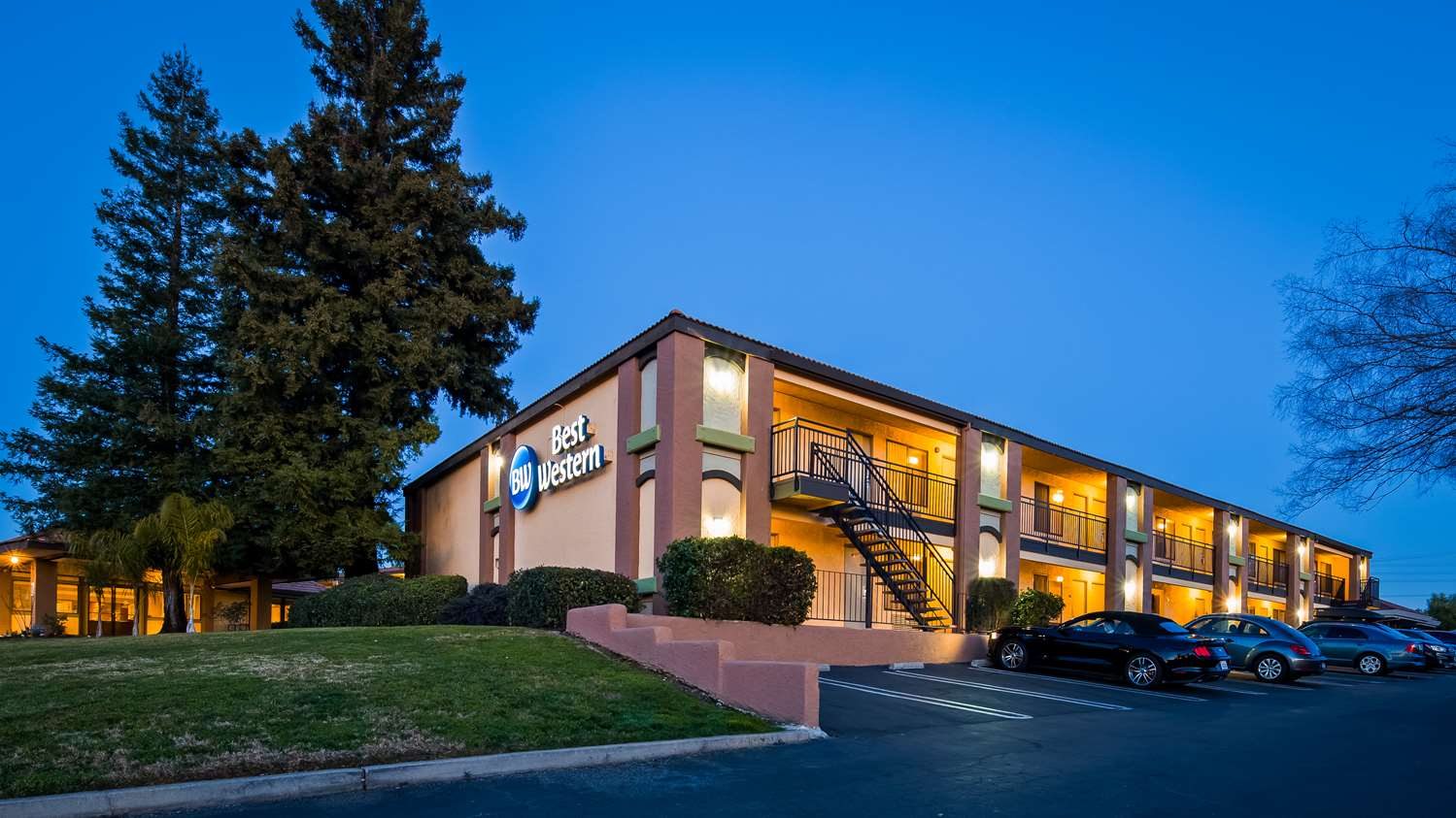 Exterior view - Best Western Roseville Inn
