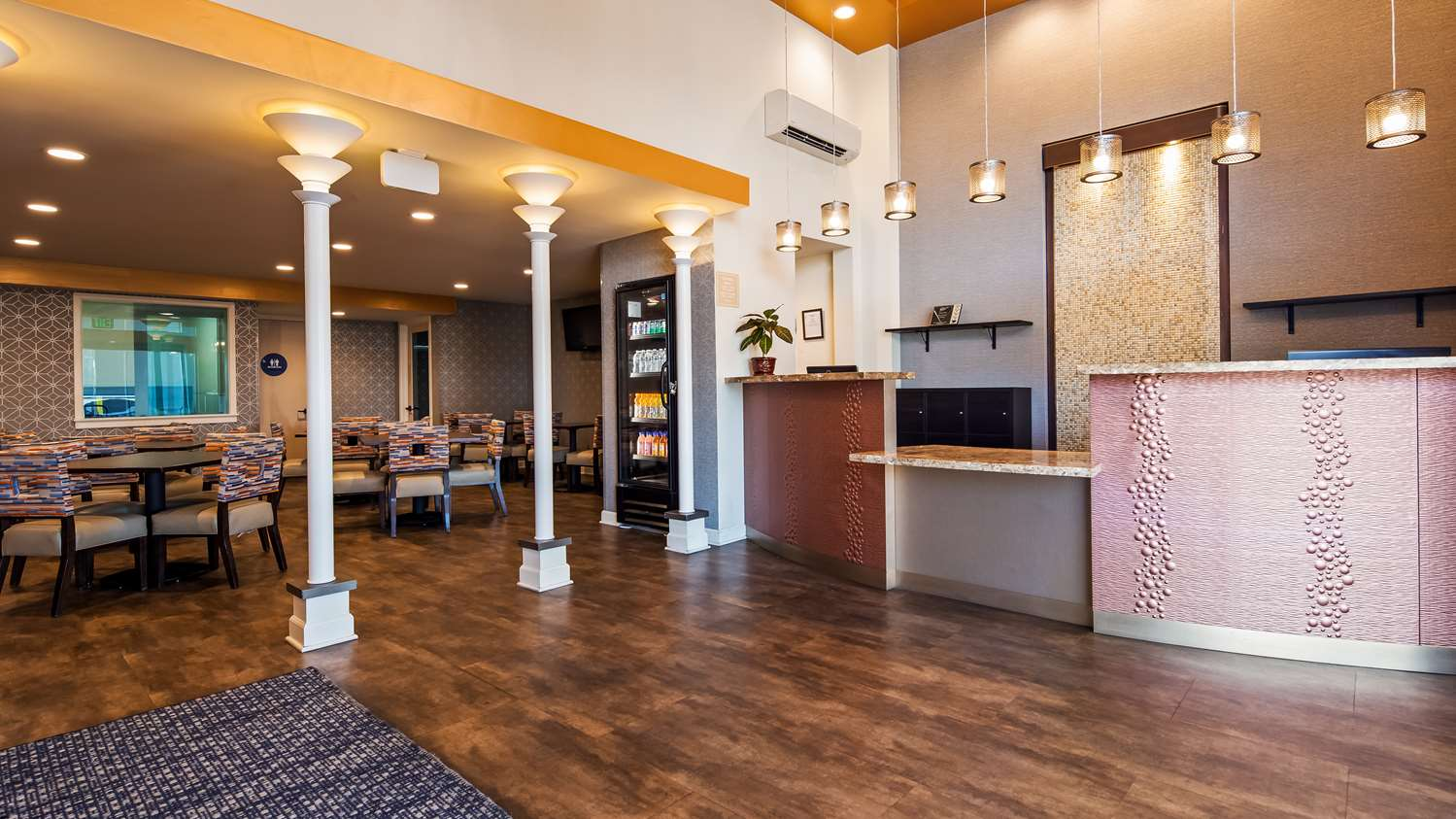 Lobby - Best Western Sandman Inn Sacramento