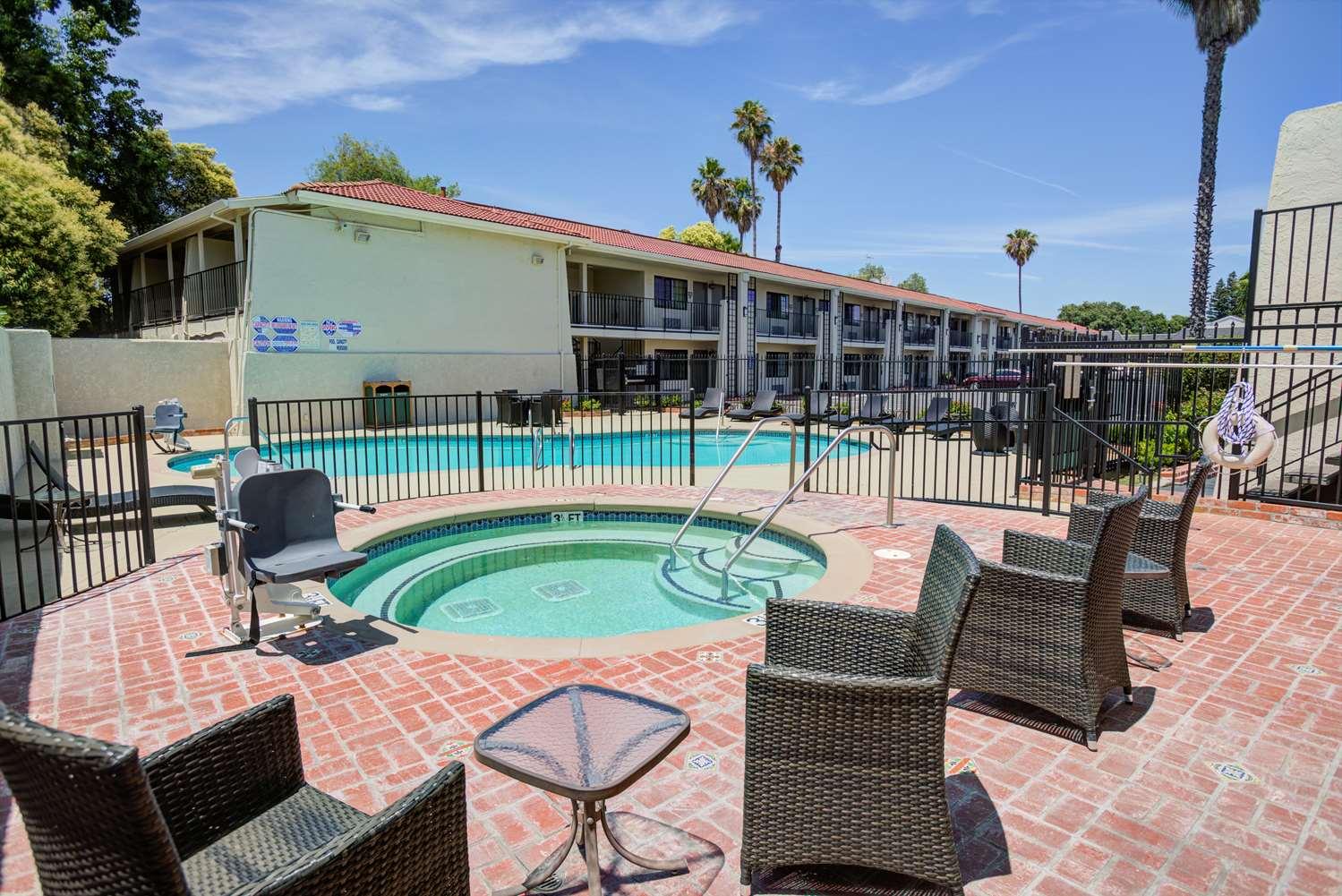 Pool - Best Western Sandman Inn Sacramento