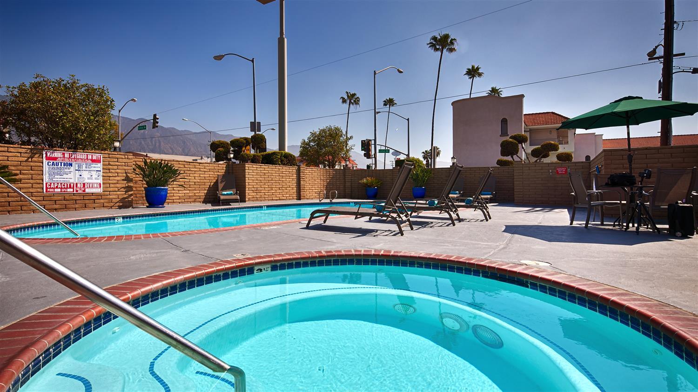 Pool - Best Western Pasadena Inn