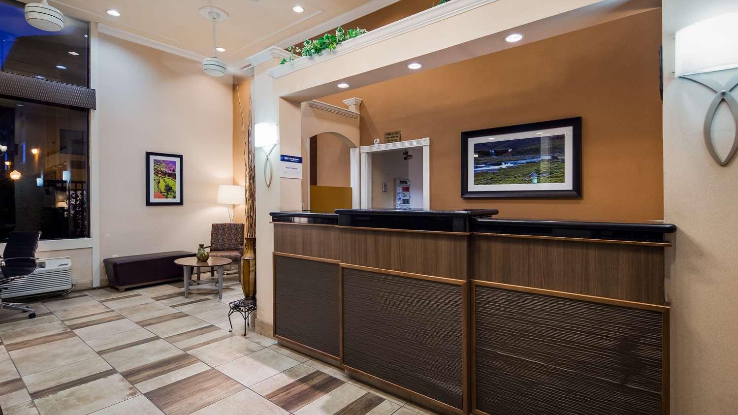 Lobby - Best Western Plus Inn of Hayward