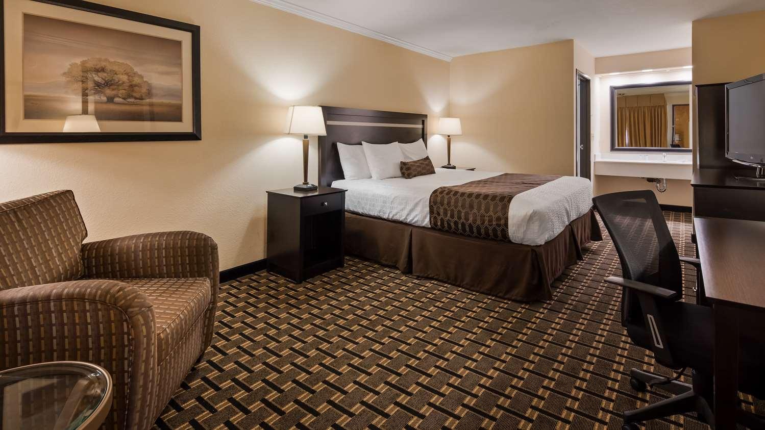 Room - Best Western Plus Inn of Hayward