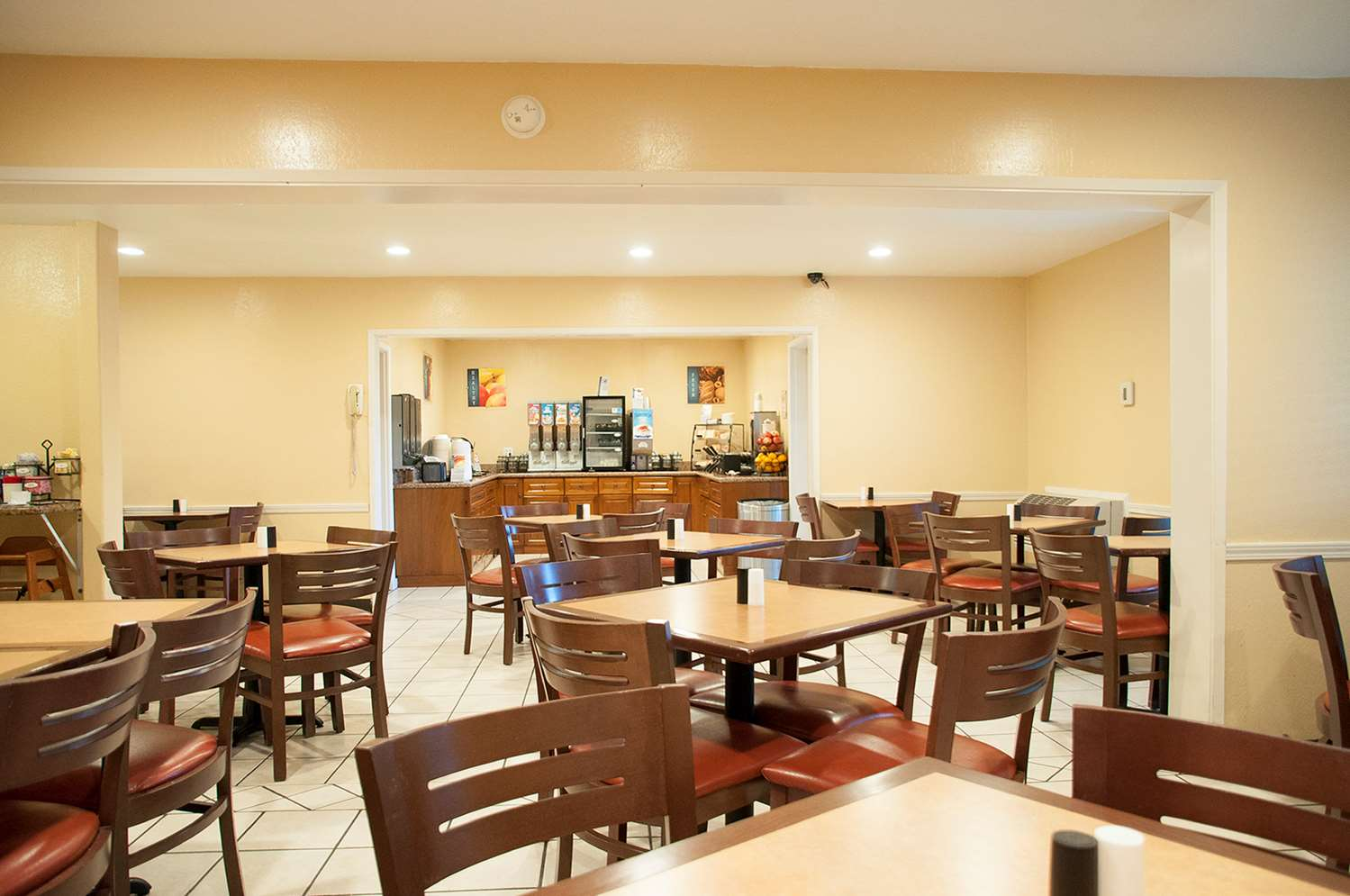 Restaurant - Best Western Village Inn Fresno