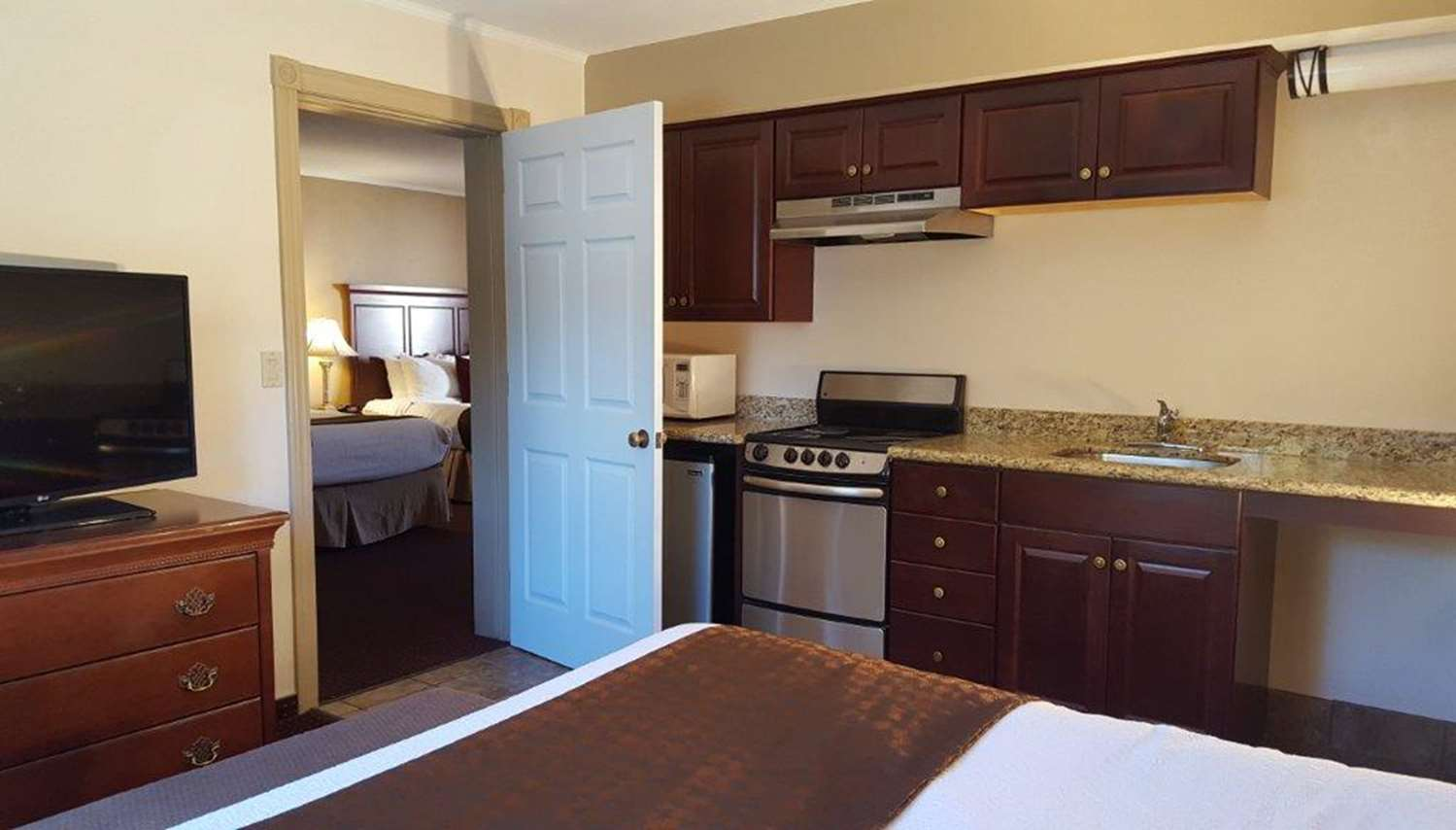 Suite - Best Western Plus Humboldt House Inn Garberville