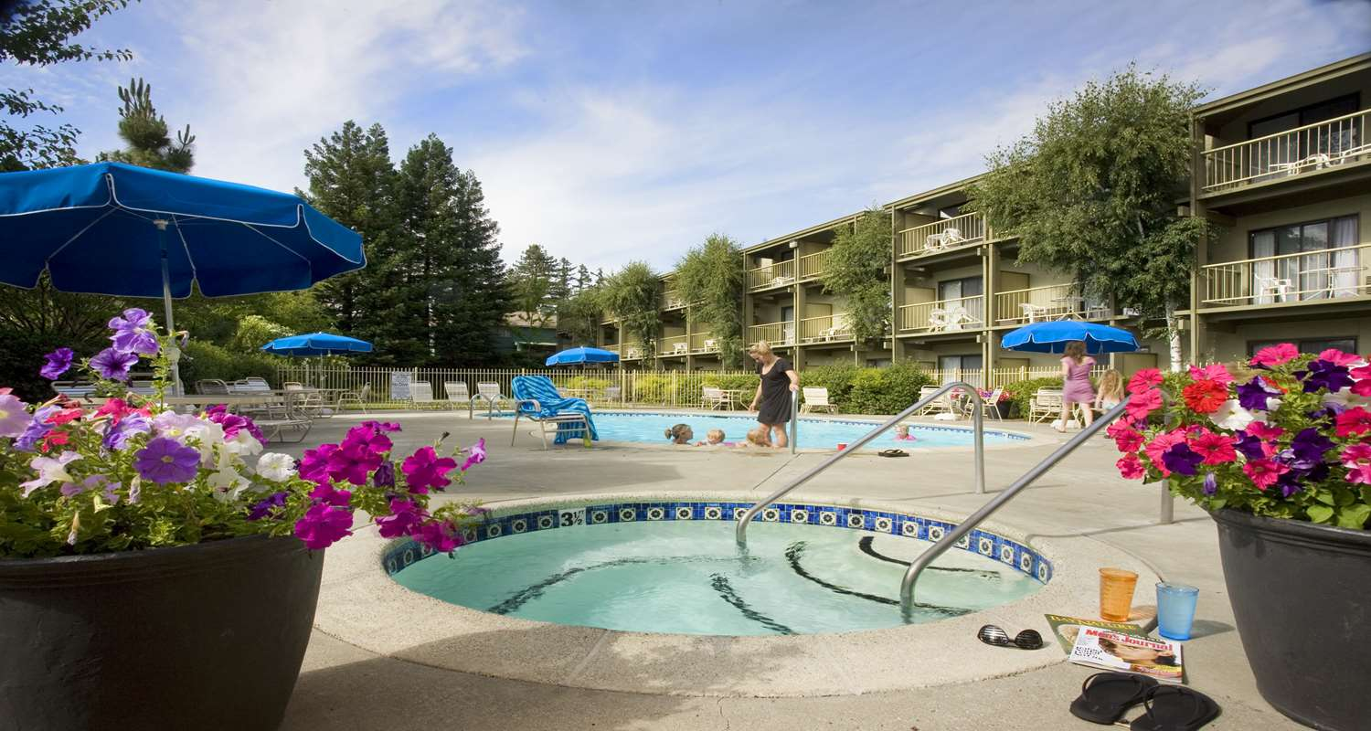 Pool - Best Western Plus Humboldt House Inn Garberville