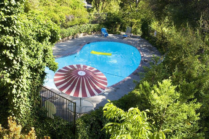 Pool Best Western Plus Yosemite Gateway Inn Oakhurst