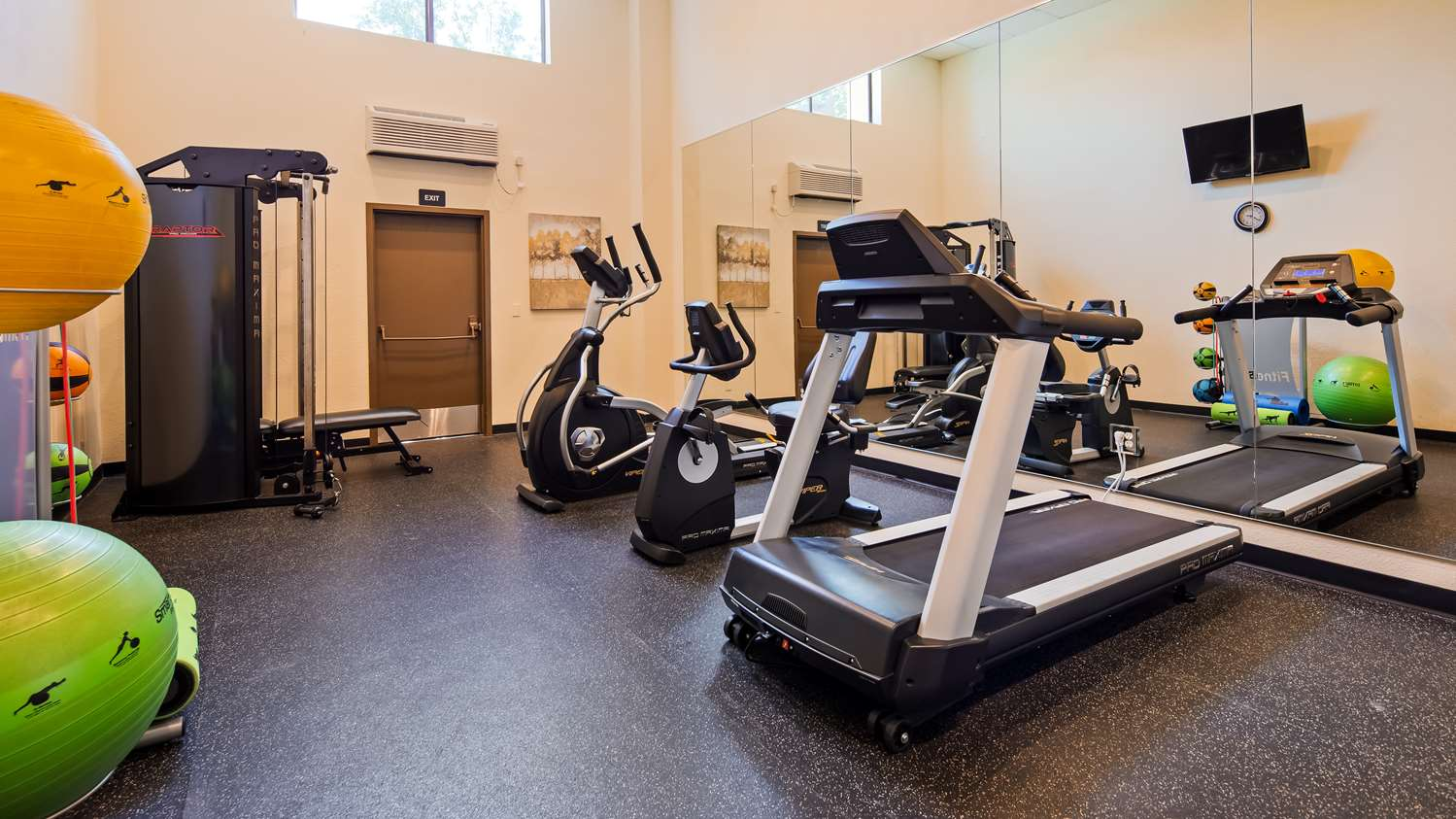 Fitness/ Exercise Room - Best Western Heritage Inn Chico