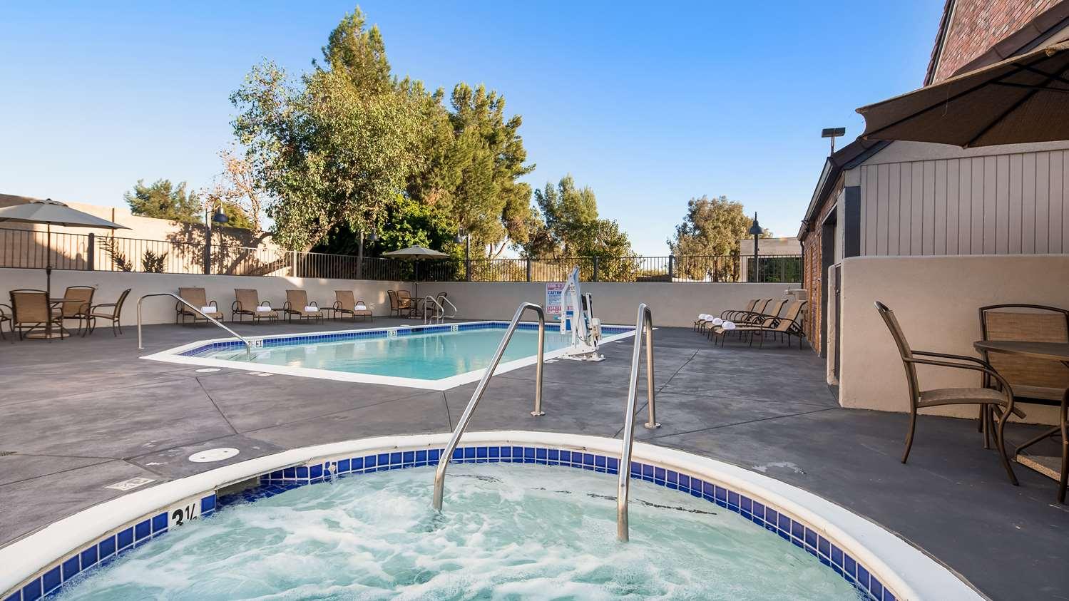 Pool - Best Western Country Inn Temecula