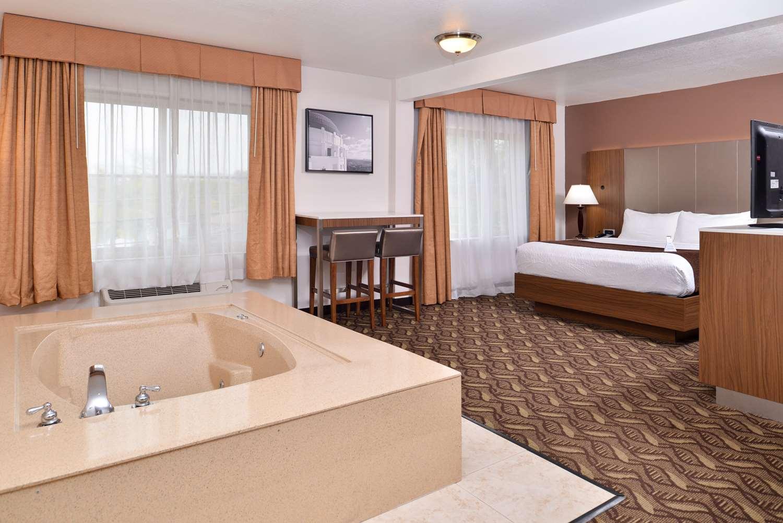 Room - Best Western Airport Plaza Inn Inglewood