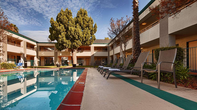Pool - Best Western Heritage Inn Concord
