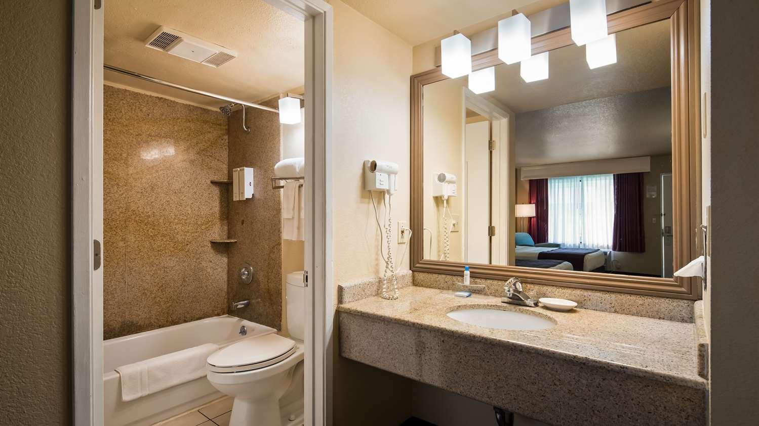 Room - Best Western Heritage Inn Concord