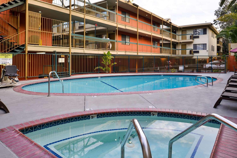 Pool - Best Western Hollywood Plaza Inn