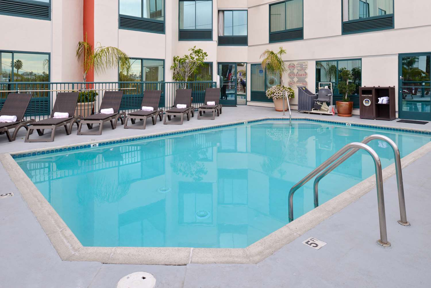 Best Western Plus Suites Hotel Inglewood Ca See Discounts