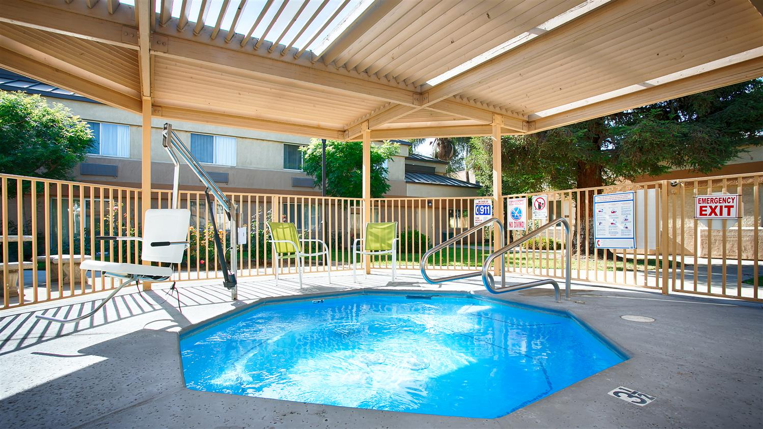 Spa - Best Western Porterville Inn