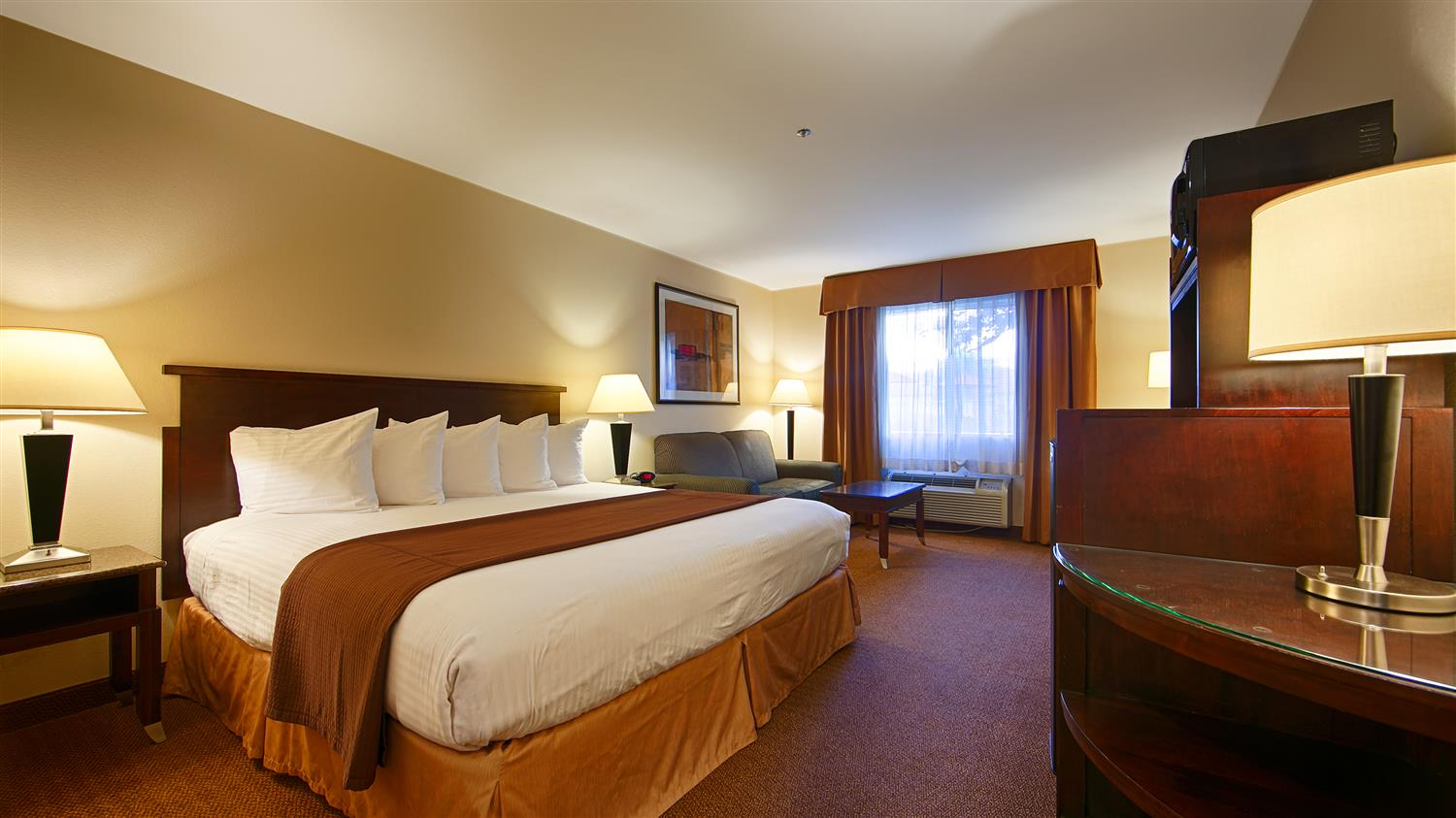 Room - Best Western Porterville Inn