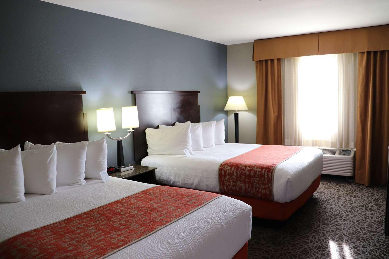 Room - Best Western Porterville Inn