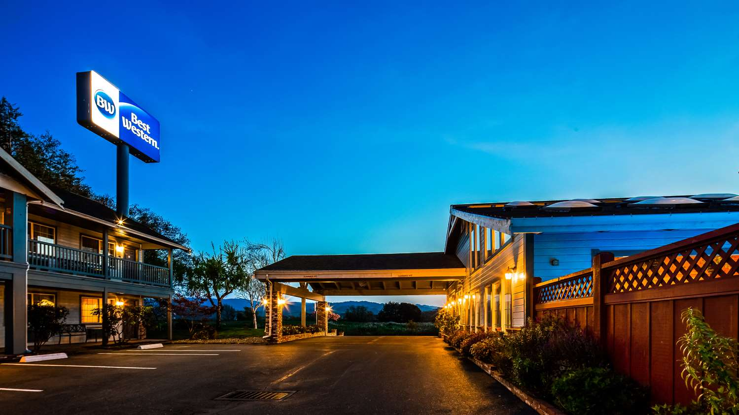 Exterior view - Best Western Country Inn Fortuna